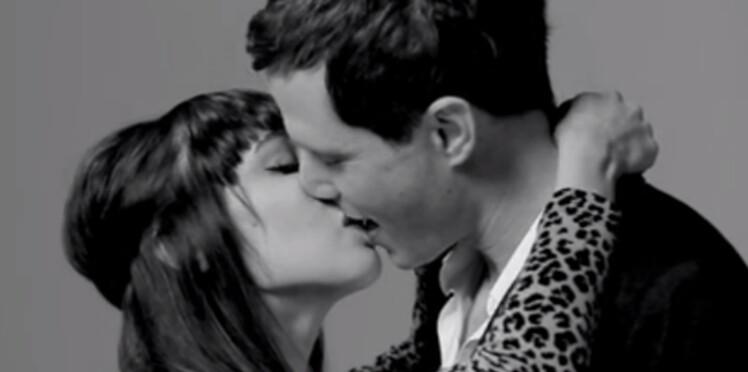 20 inconnus s'embrassent pour la première fois