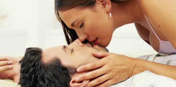Les femmes embrassent plus que les hommes