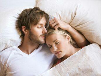 mariage 10 id es de photos de couple originales femme actuelle le mag. Black Bedroom Furniture Sets. Home Design Ideas