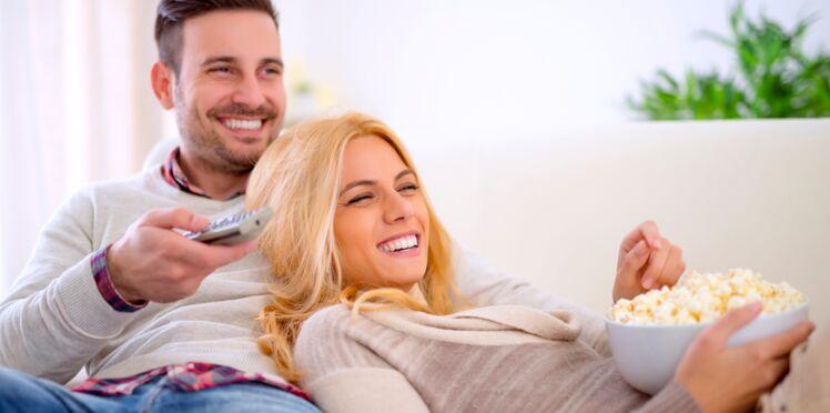 Couple : regarder des séries à deux renforcerait les liens