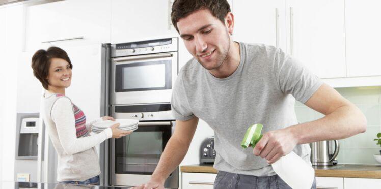 Les hommes qui exercent des métiers féminins font plus le ménage