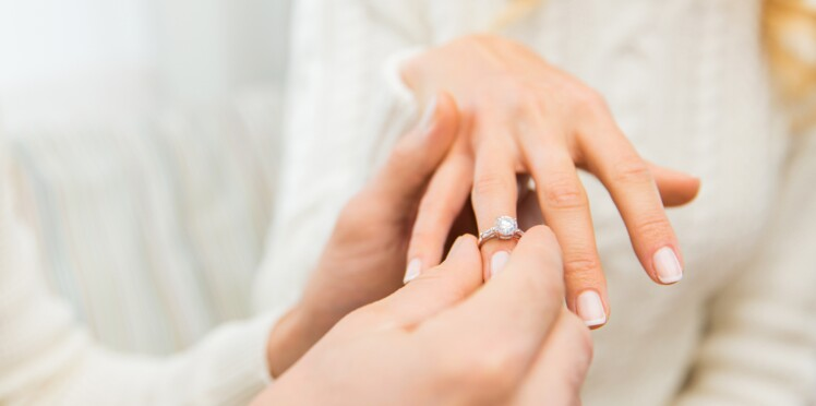 Piercing à l'annulaire : la nouvelle bague de fiançailles ?