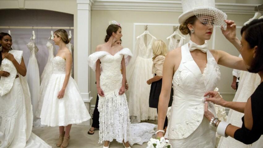 Un défilé de robes de mariée… en papier toilette