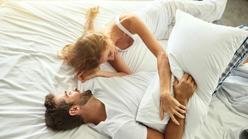 """Le """"sex-pillow"""" : comment un accessoire tout simple peut améliorer vos ébats sexuels"""
