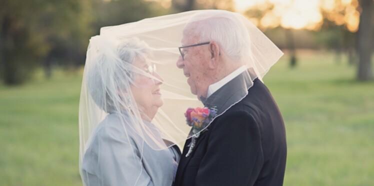 Un couple célèbre ses 70 ans de mariage en photos