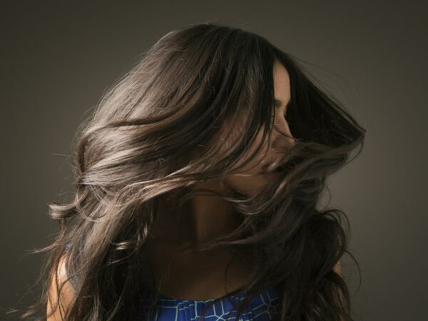 cheveux gras la solution g niale pour les garder propres plus longtemps femme actuelle le mag. Black Bedroom Furniture Sets. Home Design Ideas