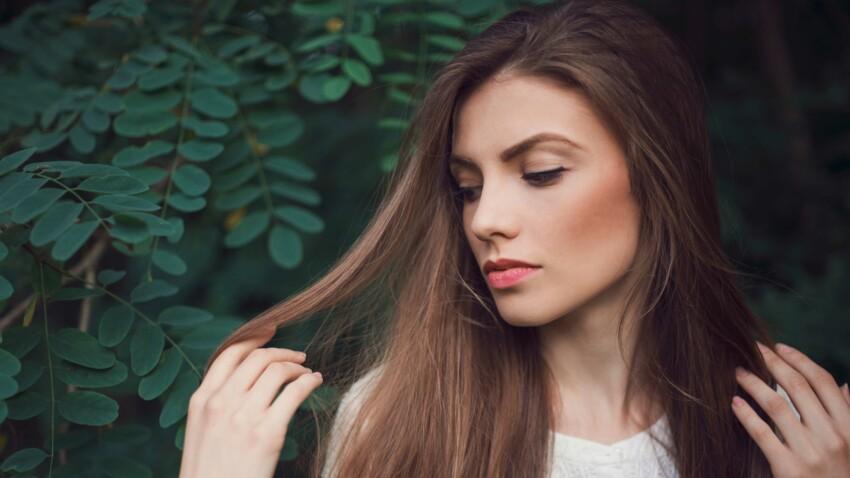 3 erreurs qui rendent nos cheveux plats