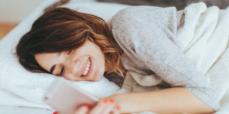 4 astuces magiques pour se réveiller avec de beaux cheveux
