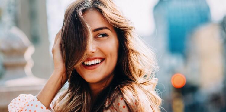 4 façons de lisser ses cheveux sans chaleur