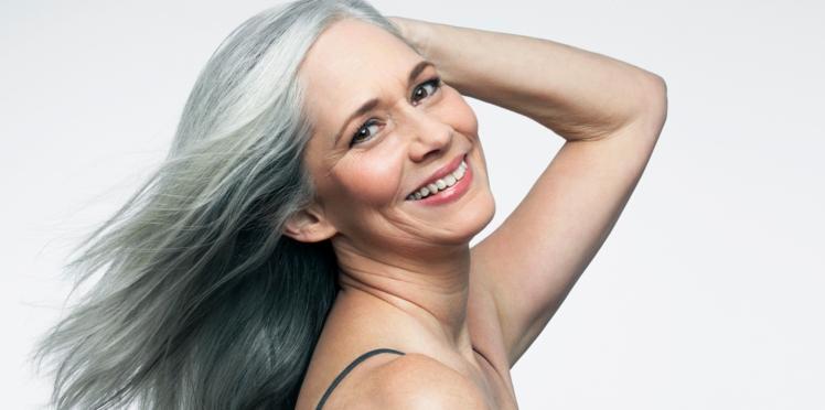 8 astuces pour rendre vos cheveux blancs plus brillants