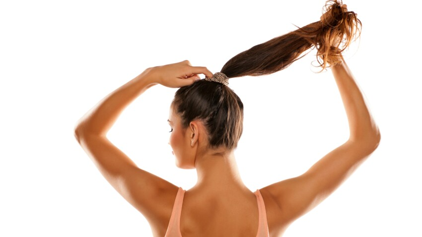 S'attacher trop souvent les cheveux, ça les abîme ?