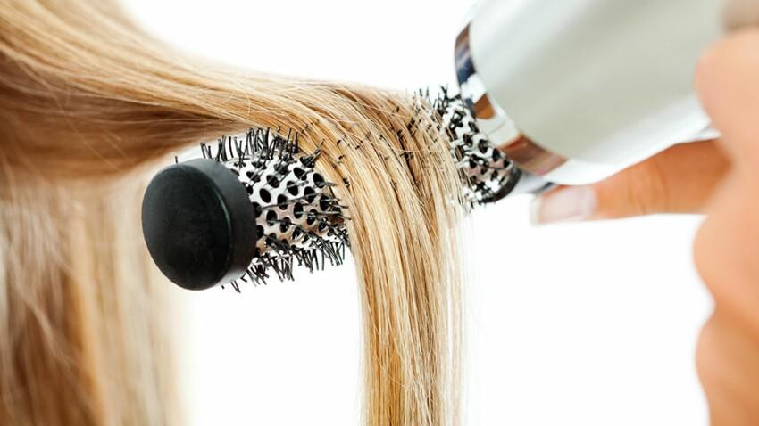 Réalisez un brushing de pro avec une brosse soufflante