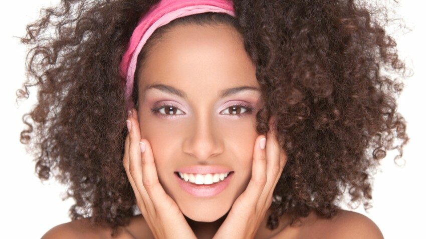 Cheveux afro : les bons soins à la maison
