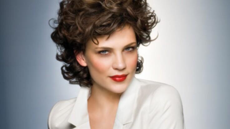 Coiffure : apprendre à boucler ses cheveux