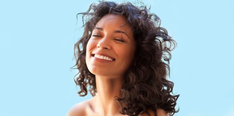 Coupe de cheveux pour frise naturel