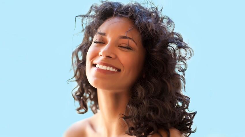 Secrets de beauté pour cheveux frisés