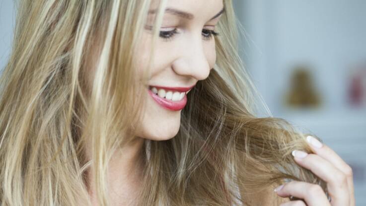 Cheveux secs : 5 astuces hyper efficaces pour les hydrater
