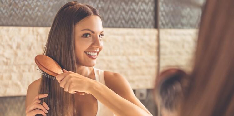 10 astuces pour éviter les nœuds dans les cheveux