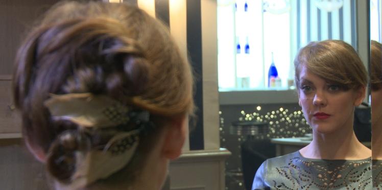 Coiffure de soirée express : le chignon couture en vidéo