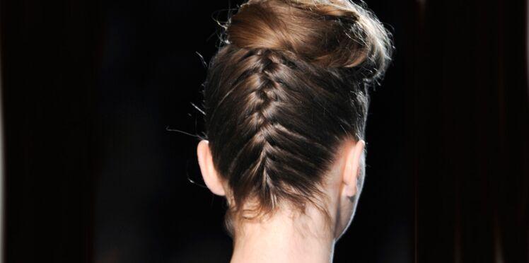 Vidéo coiffure : la tresse inversée