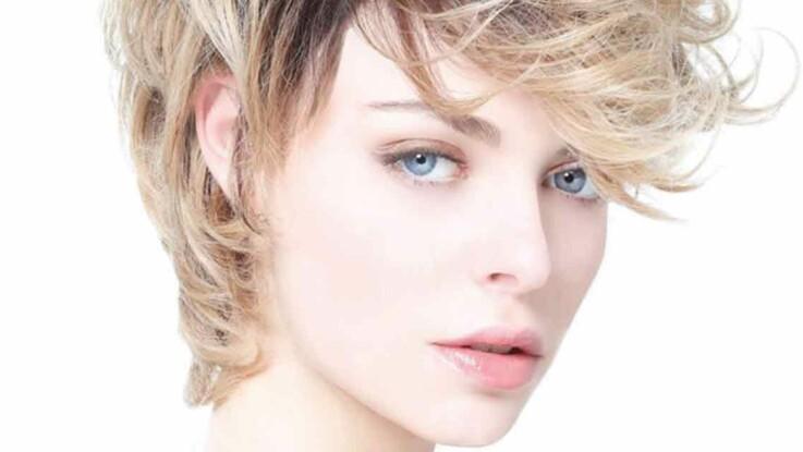 Coupe courte femme pour affiner le visage