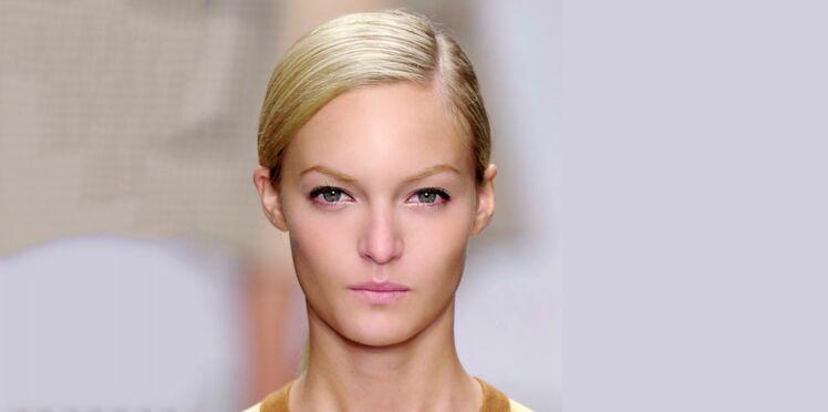 Vidéo : Chic, l'effet plaqué sur cheveux courts