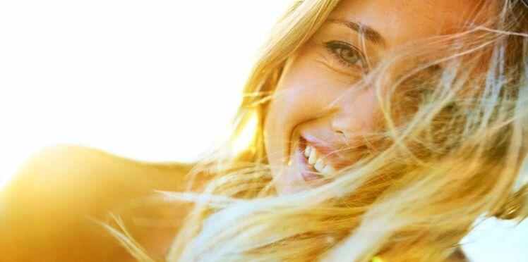 """Des cheveux """"blond lumière"""" pour l'été"""