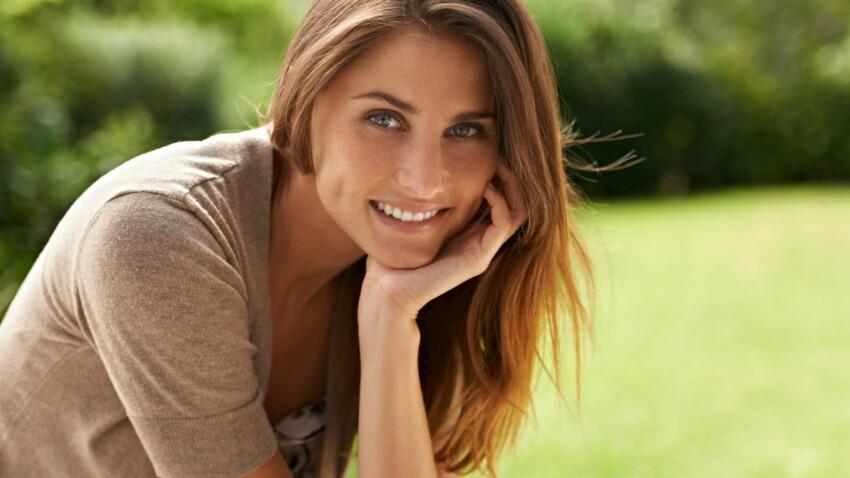 Cheveux couleur caramel : la coloration tendance qui rajeunit