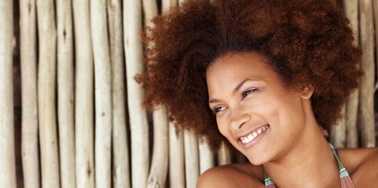 Comment prendre soin de ses cheveux crépus en été ?