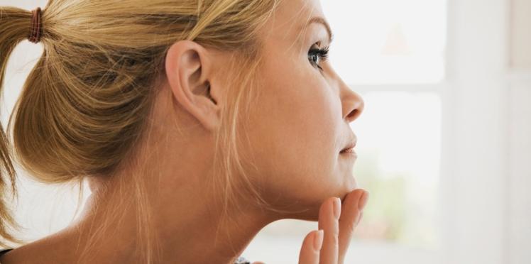 Comment se débarrasser des poils sur le visage ?