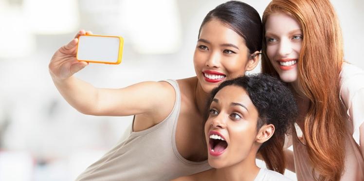 Nos astuces pour être jolie en selfie