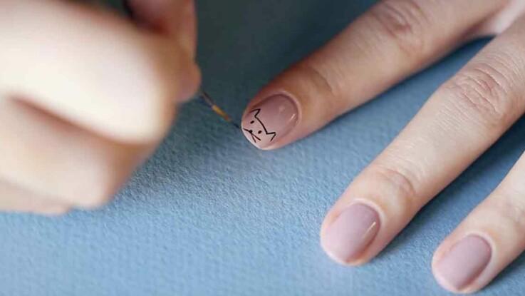 Vidéo - Nail art chat : réalisez facilement un adorable chat sur vos ongles