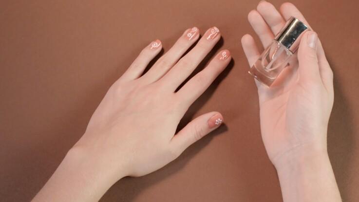 Tutoriel manucure : le nail art romantique (vidéo)