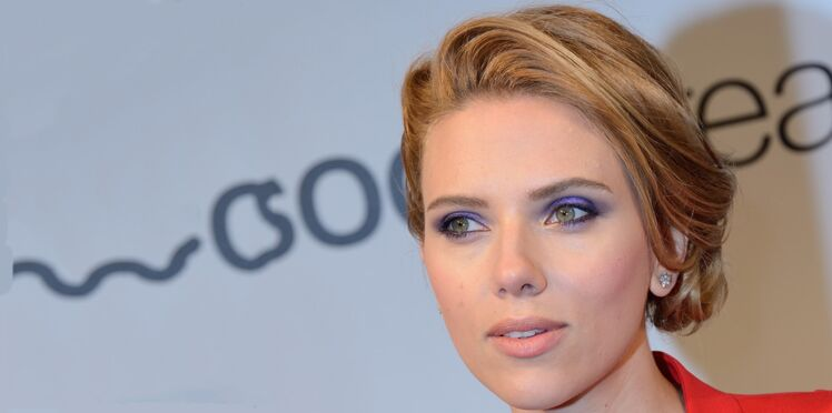 Look du jour : le regard sexy de Scarlett Johansson