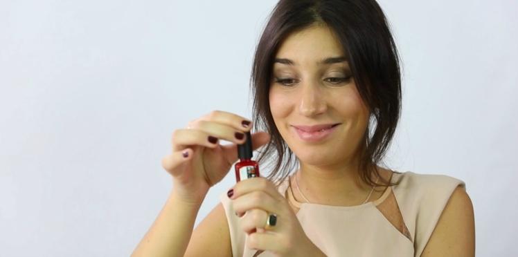 Vidéo : débloquer son vernis à ongles en 5 minutes