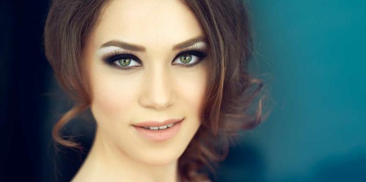Maquillage de soirée yeux verts, mettre en valeur le regard