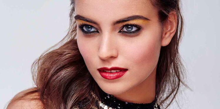 Vidéo - Maquillage de fêtes : les sourcils intenses