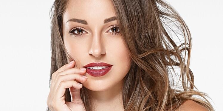 Les astuces de pro pour faire tenir son rouge à lèvres plus longtemps