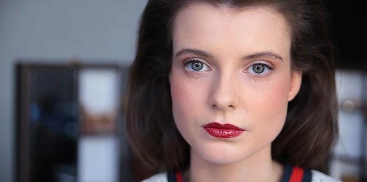 Vidéo : une jolie bouche rouge express