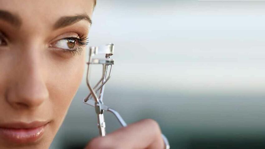 Make-up yeux : comment bien utiliser le recourbe-cils