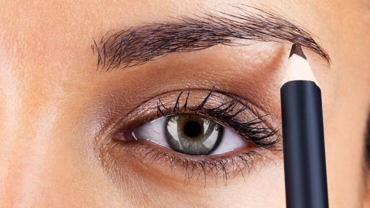 Tuto vidéo : bien dessiner ses sourcils en 3 minutes chrono