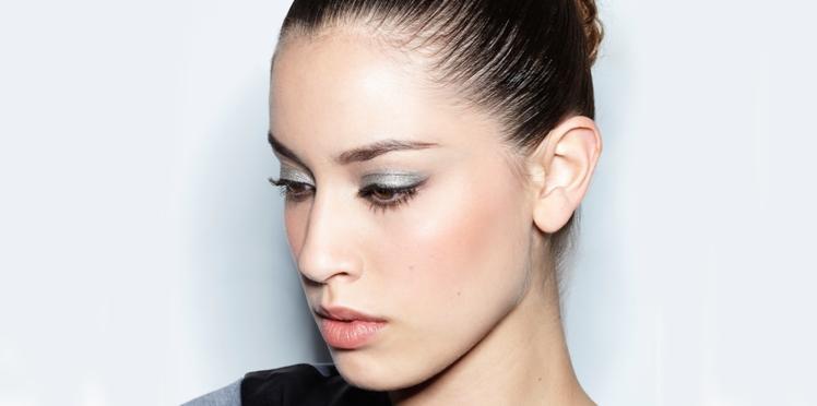 Vidéo : le make-up métal sur les paupières