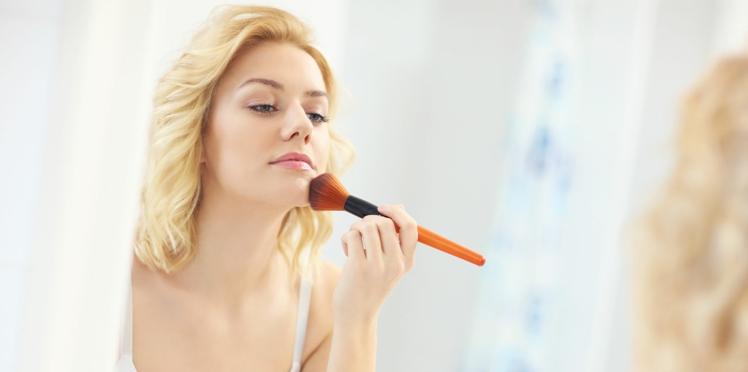 Choisir la couleur de son maquillage correcteur comme une pro