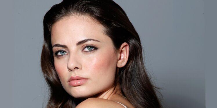 Tuto make-up : poser son blush de façon sexy (vidéo)