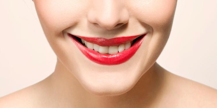 3 astuces beauté pour que vos dents paraissent plus blanches