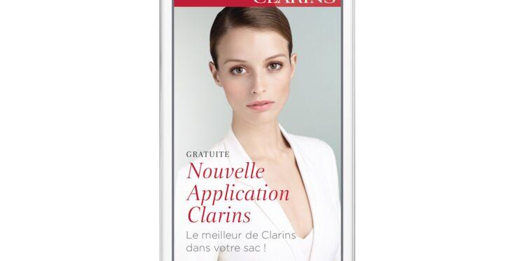 Une application Clarins aide ses clientes à adopter les bons gestes beauté
