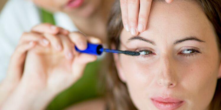 Des ateliers make-up pour malvoyants