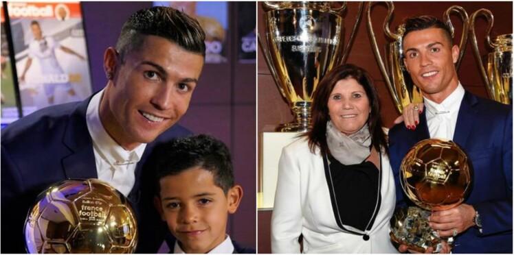 Cristiano Ronaldo reçoit le ballon d'or avec des mèches dorées