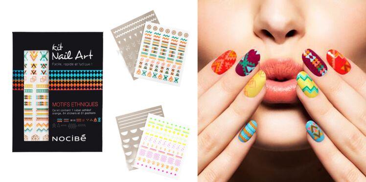 Facile, le nail art ethnique ou fluo !