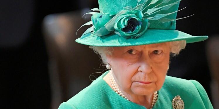 La Reine Elizabeth II fidèle au même vernis depuis 28 ans, adopté par Kate : découvrez lequel